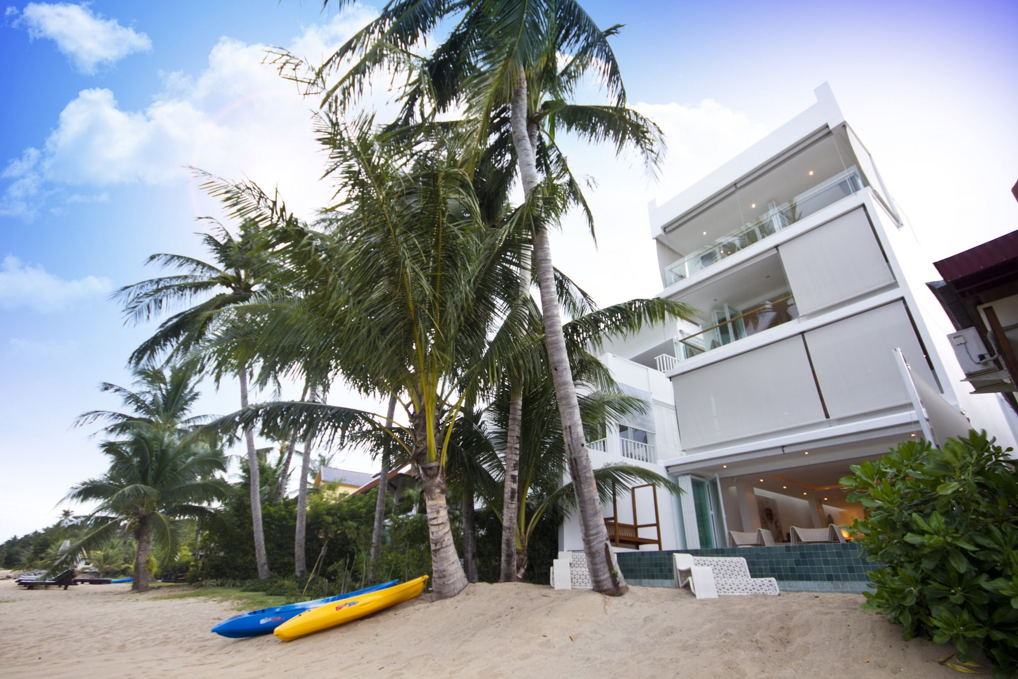 "Apartment ""Panu Deluxe Apartment Project"" 4 bedrooms, 4 showers, beachfront, daily breakfast, private pool, sea view, district Bophut, rent from 13 000 baht per day"