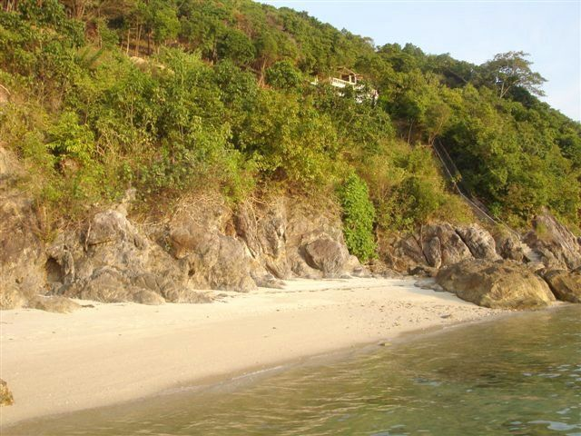 Stunning ocean front sea view land in Taling Ngam