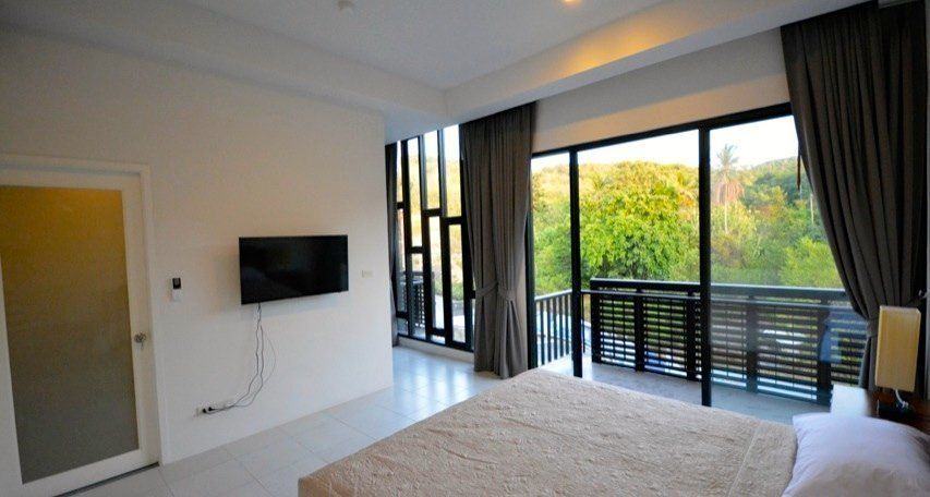 """Pause"" townhouse with 3 bedrooms in Replay residence (Bang Rak)"