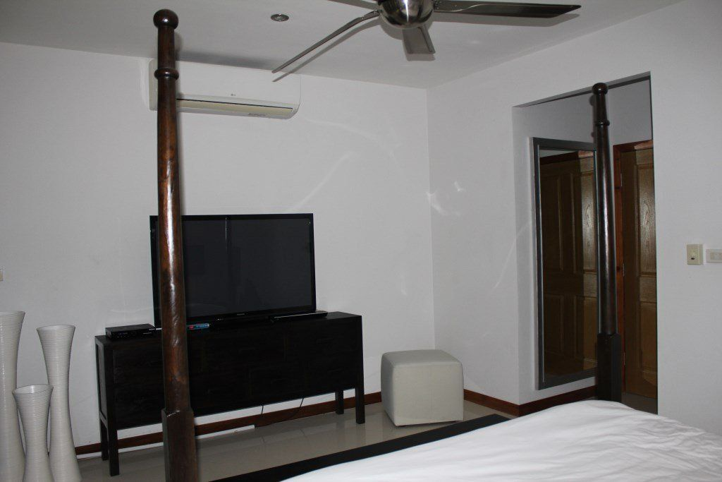 Three Bedroom Townhouse for rent in Choeng Mon