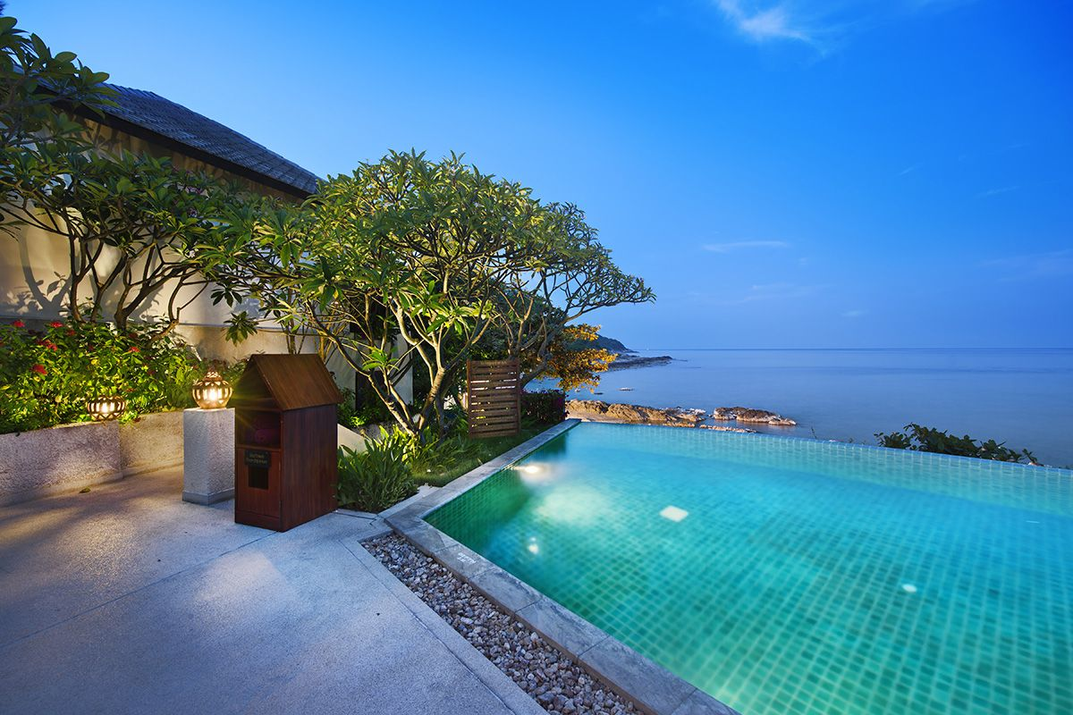 Luxurious 4 bedroom sea view Villa in a Resort located in Cheong Mon: Luxurious 4 bedroom sea view Villa in a Resort located in Cheong Mon.