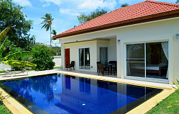 "Villa ""Two Bedroom Villa 5 Minutes Walk to the Beach."" 2 bedrooms, garden, private pool, walking distance to the beach, district Choeng Mon, rent from 5 000 baht per day"