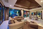 Six Hills 4 Bedroom Villa with Panoramic View of the Gulf of Thailand: Six Hills  villa for ren,t living room, night view