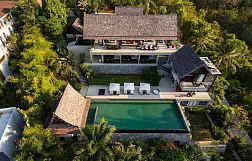 "Villa ""Suralai Villa"" 6 bedrooms, daily breakfast, garden, gym, sea view, district Bophut, rent from 850 baht per day"
