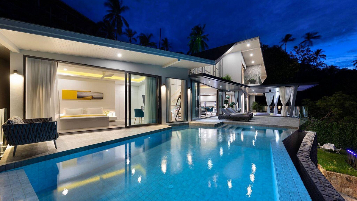 Stunning Tropical Modern Villa located in the Santi Thani Estate at the north coast of Koh Samui