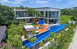 "Villa ""Villa Sea Senses"" 4 bedrooms, daily breakfast, garden, private pool, sea view, walking distance to the beach, district Plai Laem, rent from 16 000 baht per day"
